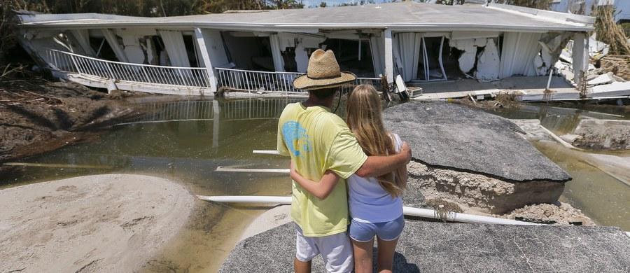 Bilans ofiar śmiertelnych huraganu Irma na Florydzie wzrósł z 7 do 12 osób - podały władze stanowe. W sumie w wyniku przejścia huraganu przez Amerykę Środkową i Północną zginęło 55 osób.