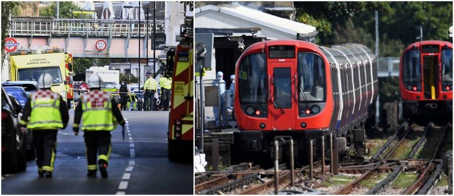 Wybuch na stacji metra Parsons Green w zachodnim Londynie. Do szpitala trafiło 22 poszkodowanych: część ma oparzenia, część została poturbowana w wyniku paniki, ale życie żadnej z tych osób nie jest zagrożone. Zdarzenie zostało uznane za akt terroru. Jak podała policja, eksplodował ładunek wybuchowy domowej roboty. Według stacji BBC, był on wyposażony w zapalnik czasowy. Relację ze zdarzenia śledziliśmy w naszej relacji minuta po minucie. Zobaczcie jej zapis.