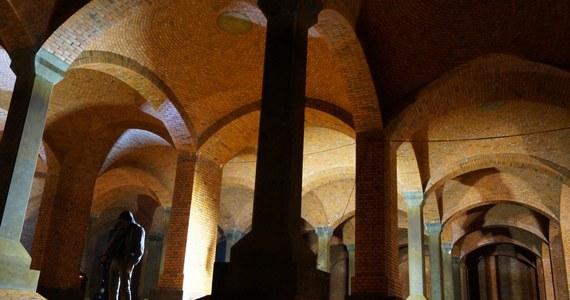 """Miasto Łódź ma 3 katedry: katolicką, prawosławną i """"podziemną"""". Właśnie ta ostatnia - neogotycka - jest Twoim Niesamowitym Miejscem w Faktach RMF FM. Ta """"podziemna katedra"""" wcale nie jest budynkiem sakralnym, ale """"świątynią wody""""."""