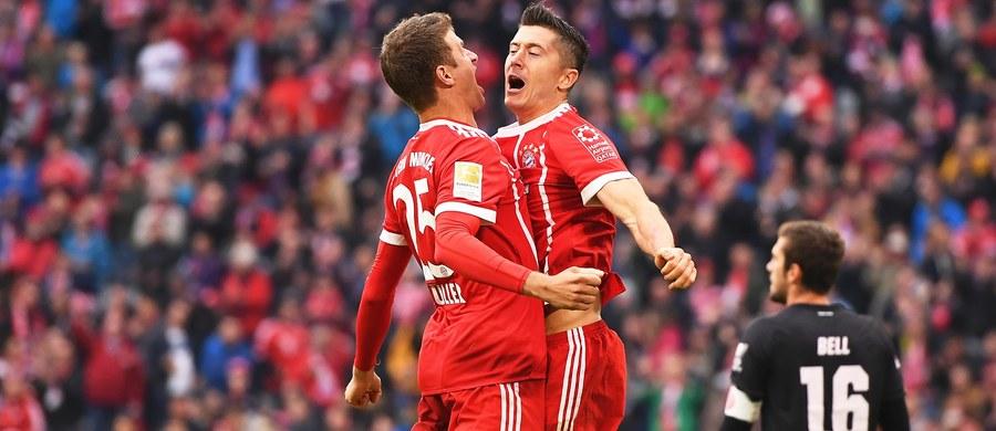 Robert Lewandowski zdobył czwartą i piątą bramkę w obecnym sezonie, a jego Bayern Monachium pokonał na własnym stadionie FSV Mainz 4:0 w 4. kolejce piłkarskiej ekstraklasy Niemiec. W 100 ligowych występach w barwach Bawarczyków Polak uzyskał 82 gole.