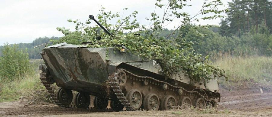 Zakończył się pierwszy trzydniowy etap ćwiczeń wojskowych Rosji i Białorusi Zapad-2017 - podało ministerstwo obrony Rosji w oficjalnym komunikacie. W tej fazie ćwiczono dowodzenie siłami podczas ataku umownego przeciwnika i planowanie operacji strategicznych. W niedzielę rozpoczyna się aktywna faza ćwiczeń, która potrwa do wtorku.