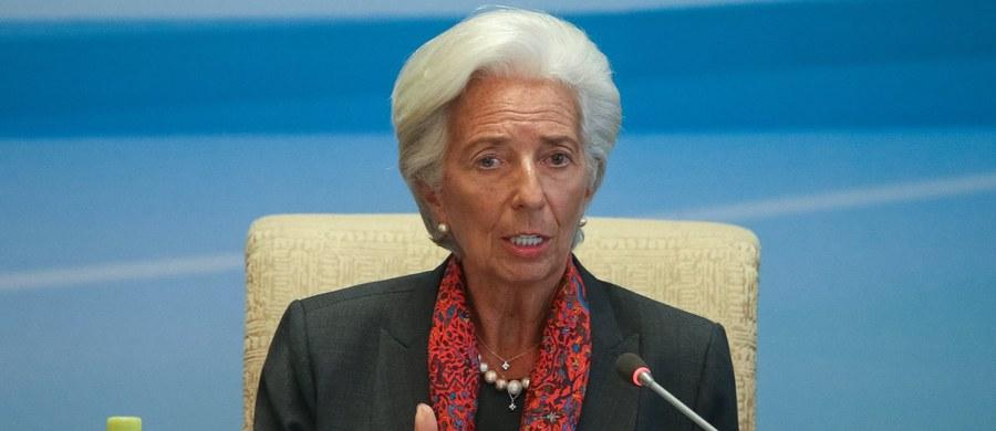 """Szefowa Międzynarodowego Funduszu Walutowego Christine Lagarde jest faworyzowaną przez wpływowych polityków Europejskiej Partii Ludowej (EPL) kandydatką na następcę szefa Komisji Europejskiej Jean-Claude'a Junckera - podał """"Welt am Sonntag""""."""
