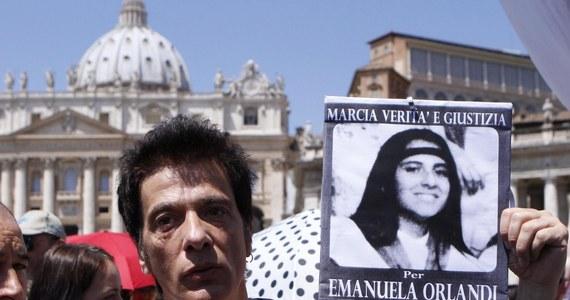 34 lata po niewyjaśnionym dotąd porwaniu córki pracownika Watykanu Emanueli Orlandi we Włoszech pojawiła się kolejna sensacyjna hipoteza na temat jej zniknięcia. Włoski dziennikarz twierdzi, że Watykan opłacił jej pobyt w Londynie. Nikt tego nie potwierdza.