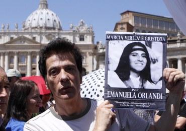 Sensacyjna teza o porwaniu 15-latki zza Spiżowej Bramy. Watykan opłacił jej pobyt w Londynie?