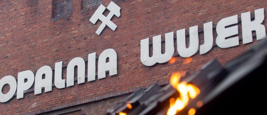 Wypadek w kopalni Wujek w Katowicach. Dwóch górników jest rannych. Do dramatu doszło ponad 600 metrów pod ziemią.