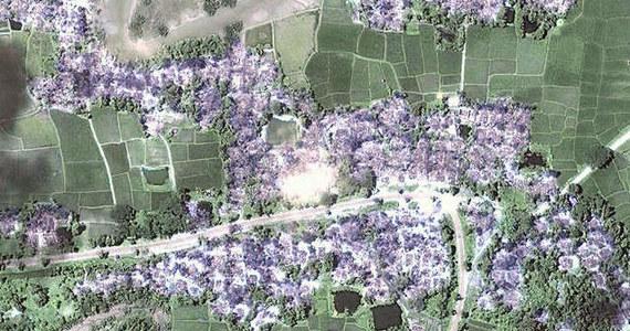 Dramatyczne doniesienia z Birmy. W ostatnich tygodniach całkowicie spalonych zostało co najmniej 200 wiosek zamieszkanych przez muzułmańską mniejszość Rohingja - ogłosiła organizacja Human Rights Watch. Wstrząsające rezultaty konfliktu pomiędzy buddystami a muzułmanami pokazują upublicznione właśnie zdjęcia satelitarne.
