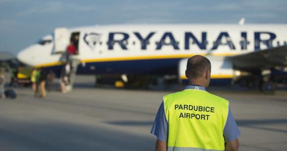 W środę odwołane zostało połączenie Londyn-Kraków. W czwartek Londyn-Rzeszów-Londyn, a w piątek Warszawa-Madryt. W sobotę nie będzie połączenia Rzym-Kraków-Rzym. W niedzielę loty powinny odbywać się już bez większych problemów.