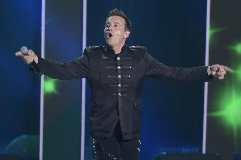 Znany jako lider discopolowej grupy Weekend wokalista Radek Liszewski zaskoczył umiejętnościami gry na perkusji, w dodatku w bardziej rockowych klimatach.