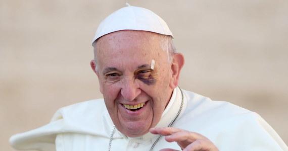 Papież Franciszek powołał nowy Papieski Instytut Teologiczny Jana Pawła II ds. Nauk o Małżeństwie i Rodzinie, reorganizując poprzedni, założony przez Jana Pawła II. Ma on odpowiadać na wyzwania duszpasterskie w duchu jego adhortacji po synodach o rodzinie. Watykan ogłosił papieski dokument pod nazwą Motu Proprio, na mocy którego powstała ta nowa instytucja akademicka.