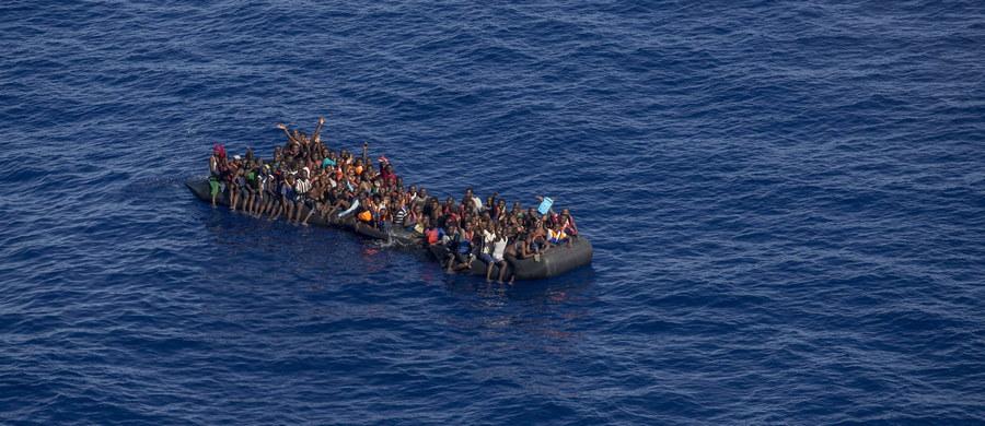 Ponad 100 migrantów zostało uznanych za zaginionych po zatonięciu łodzi u wybrzeży Libii - podał rzecznik libijskiej marynarki wojennej, gen. Ajub Kasem, powołując się na informacje przekazane przez ocalonych.