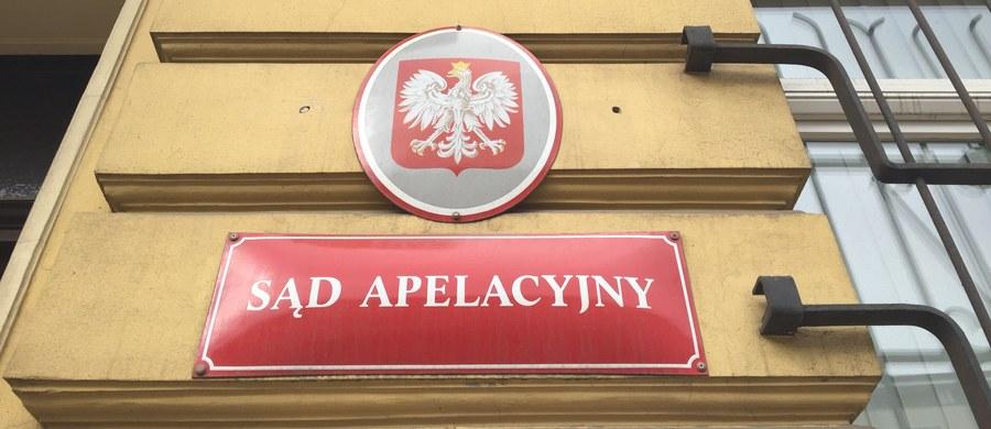 Sąd Apelacyjny w Warszawie uchylił immunitet sędziego Roberta W., któremu prokuratura chce postawić zarzuty dwu kradzieży sprzętu elektronicznego. Decyzja jest nieprawomocna - można się od niej odwołać do Sądu Najwyższego.