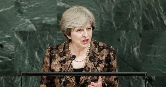 Premier Theresa May powie w piątek we Florencji, że Wielka Brytania jest gotowa zapłacić Unii Europejskiej 20 miliardów euro w okresie przejściowym po Brexicie - informuje BBC.