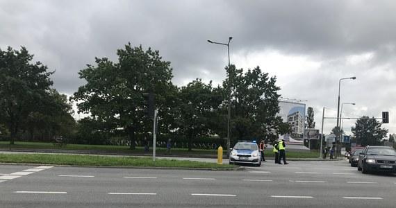 Strażakom udało się zatamować groźny wyciek gazu na warszawskiej Woli. Zamknięta była m.in. ulica Wolska, co dla kierowców i pasażerów komunikacji miejskiej oznaczało spore problemy. Autobusy i tramwaje jeździły objazdami.