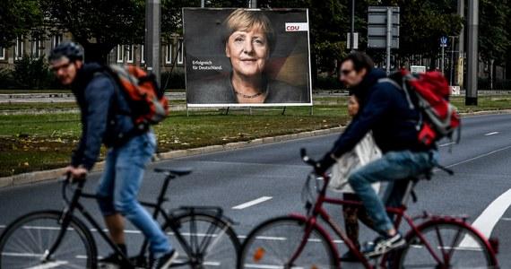 W niedzielnych wyborach do Bundestagu Angela Merkel może być pewna zwycięstwa, ale jej polityczny blok CDU/CSU nie ma szans na bezwzględną większość w parlamencie. Kto zostanie koalicjantem chadeków: SPD, FDP czy Zieloni? I jak silna będzie antyislamska AfD?