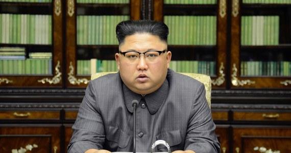 Nawet 200 osób mogło zginąć po zawaleniu się tunelu nieopodal poligonu, na którym Pjongjang testuje broń nuklearną - donoszą japońskie media. Do zdarzenia miało dojść 10 września.