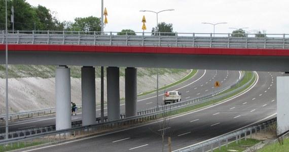 Do użytku kierowców oddano ok. 20 km fragment drogi ekspresowej S7 na odcinku od Jędrzejowa do Krakowa. To ważny dzień dla transportu drogowego w Polsce – podkreślił minister infrastruktury i budownictwa Andrzej Adamczyk.