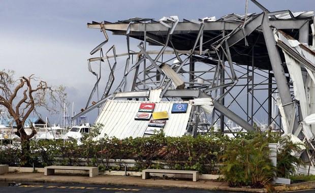 Co najmniej dziesięć osób zabił na Portoryko huragan Maria - poinformował gubernator wyspy Ricardo Rossello. Ocenił on, że zniszczenia są większe niż te, które wyrządził w 1998 roku potężny huragan Georges.