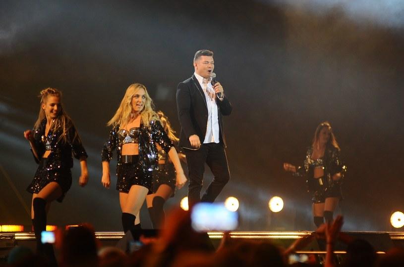 Gwiazdy muzyki disco polo wystąpiły przed 50 tys. widzów na imprezie Roztańczony PGE Narodowy.