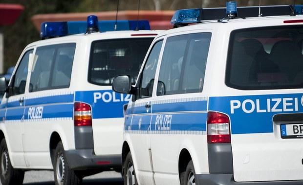 Polski kierowca spowodował tragiczny wypadek niedaleko Frankfurtu nad Menem - podaje tamtejsza policja. Do wypadku doszło późnym wieczorem w sobotę.