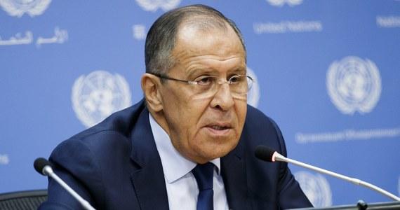 Minister spraw zagranicznych Rosji Siergiej Ławrow uważa, że Stany Zjednoczone nie uderzą na KRLD, bo są przekonane, że Pjongjang ma broń jądrową, której mógłby użyć. Opinię tę Ławrow zaprezentował w nadanym w niedzielę programie telewizji NTV.