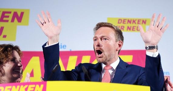 Liberalna Wolna Partia Demokratyczna - która wejdzie zapewne do nowego rządu kanclerz Angeli Merkel - nie zgodzi się na utworzenie budżetu strefy euro, czego domaga się Francja. Zapowiedział to w dniu wyborów do Bundestagu szef FDP Christian Lindner.