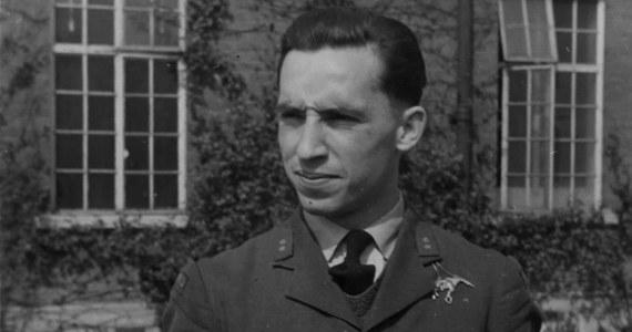 """Ostatni żyjący dowódca polskiego dywizjonu lotnictwa z II wojny światowej Franciszek Kornicki zwyciężył w plebiscycie Muzeum Królewskich Sił Powietrznych (RAF) i dziennika """"The Telegraph"""" na bohatera wystawy na stulecie RAF w 2018 roku. Kornicki zdobył 325 tys. głosów - szesnaście razy więcej niż wszyscy pozostali rywale łącznie - wyprzedzając Sir Douglasa Badera (6,3. tys.) i Jackie Moggridge (2,6 tys. głosów)."""