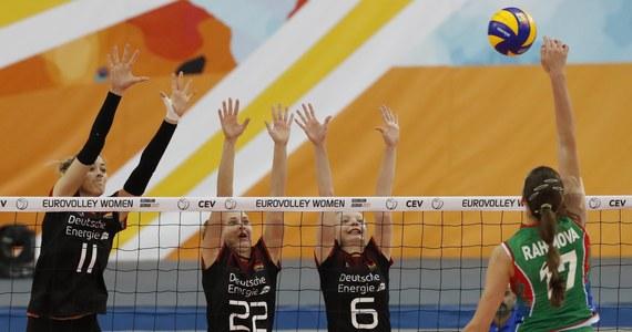 Siatkarki Azerbejdżanu pokonały w Baku Niemki 3:1 (19:25, 25:19, 25:18, 25:18) w ostatnim meczu grupy A mistrzostw Europy. Azerki zajęły pierwsze miejsce i awansowały bezpośrednio do ćwierćfinału.