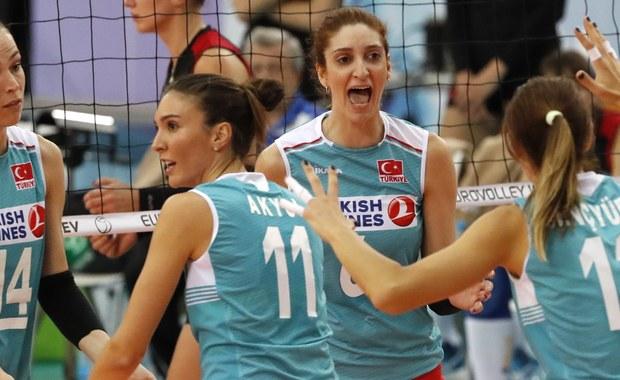 Siatkarki Turcji będą rywalem Polek w meczu rundy play off mistrzostw Europy rozgrywanych w Azerbejdżanie i Gruzji. Spotkanie rozegrane zostanie w środę. Stawką będzie awans do ćwierćfinału.