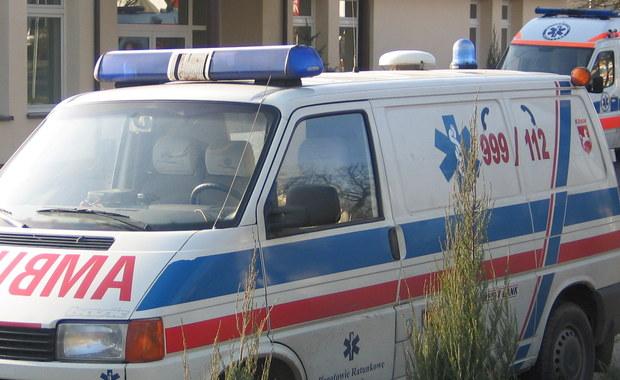 Siedem samochodów, w tym dwie ciężarówki, zderzyły się na DK 1 w Kościelcu pod Częstochową. Trzy osoby trafiły do szpitala. Trasa na Katowice była zablokowana przez kilka godzin.
