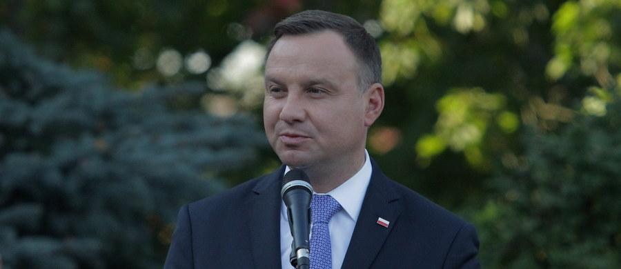 """Czyżby władze III RP uznały, że można poświęcić mniejszość polską dla """"wyższych celów""""? W tej sytuacji konieczne jest oddolna akcja społeczna."""