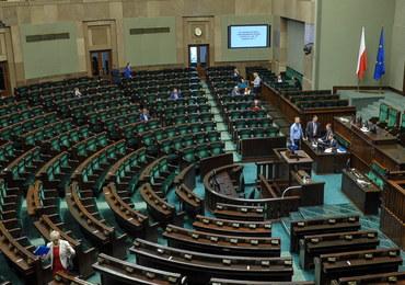 Komisja za uchyleniem immunitetu Dominikowi Tarczyńskiemu. Poseł PiS stanie przed sądem?