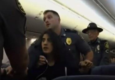 Skarżyła się na psy w samolocie. Siłą usunięto ją z pokładu