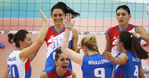 Siatkarki Serbii i Holandii wywalczyły awans do półfinałów mistrzostw Europy rozgrywanych w Azerbejdżanie i Gruzji. W ćwierćfinale w Baku Serbki pokonały Białoruś 3:0 (25:19, 25:12, 25:14). Wcześniej awans do najlepszej czwórki turnieju wywalczyły Holenderki. W ćwierćfinale w Baku pokonały Włoszki 3:0 (25:17, 25:20, 25:13).