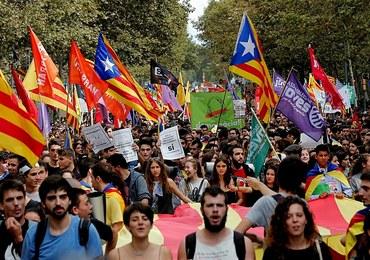 Studenci i uczniowie demonstrują w Barcelonie poparcie dla referendum