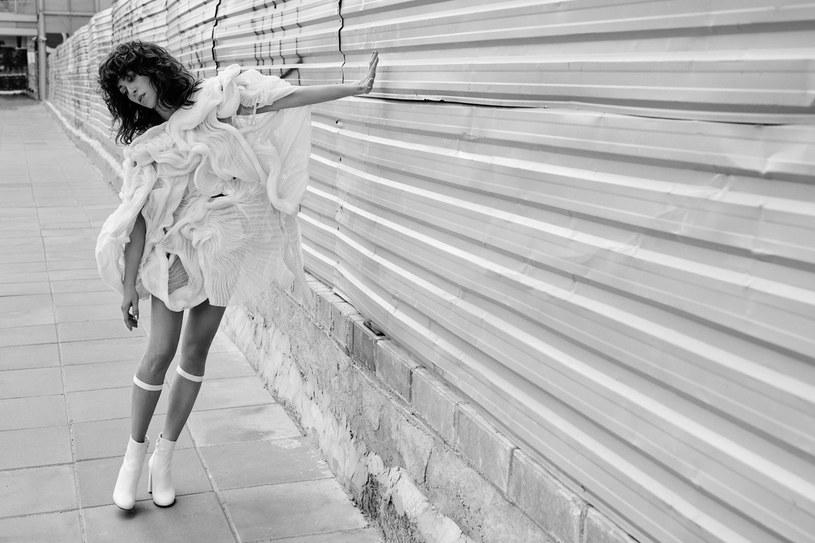 """Pod koniec września światło dzienne ujrzała najnowsza płyta Natalii Kukulskiej zatytułowana """"Halo tu Ziemia"""". Z wokalistką porozmawialiśmy o tematyce albumu, pracy nad materiałem i najbliższych koncertach."""
