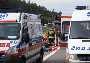 Karambol na krajowej jedynce, zderzyło się 7 aut. Są ranni