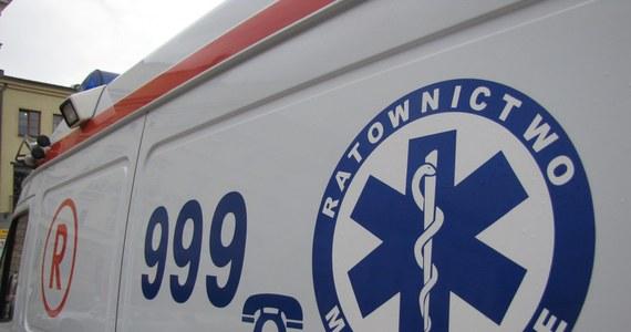 Dwie 13-latki zostały ranne w wypadku do jakiego doszło około południa na drodze wojewódzkiej 188 między Piłą a miejscowością Skórka w Wielkopolsce. Zderzyły się tam cztery pojazdy, w tym autokar wycieczkowy przewożący 40 dzieci.