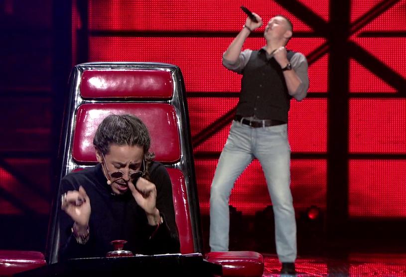 """Karol Lechowski przez Barona nazwany został Elvisem. Czy ma szansę na zawojowanie """"The Voice of Poland""""?"""