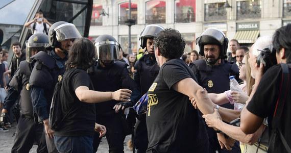 53dca256 Media w Hiszpanii twierdzą, że referendum niepodległościowe w Katalonii  uczyniło z niedzieli jeden z najczarniejszych dni w historii demokracji w  tym kraju.