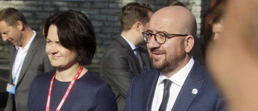 """Premier Belgii Charles Michel jako pierwszy unijny przywódca potępił użycie siły przez hiszpańską policję podczas referendum niepodległościowego w Katalonii - informuje dziennikarka RMF FM Katarzyna Szymańska-Borginon. """"Przemoc nigdy nie może być odpowiedzią! Potępiamy wszelkie formy przemocy i podkreślamy nasze wezwanie do dialogu politycznego"""" - napisał na Twitterze."""