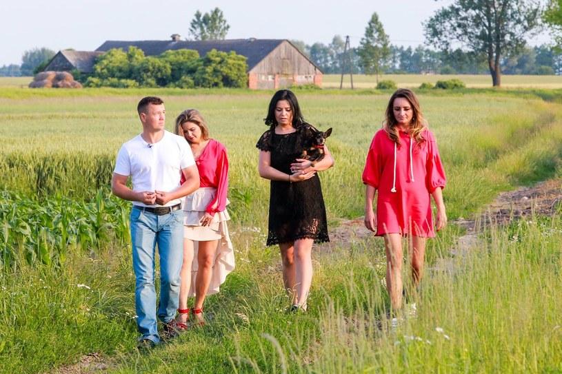"""W czwartym odcinku programu """"Rolnik szuka żony 4"""", który widzowie obejrzeli w niedzielę, 2 października, w domach bohaterów produkcji TVP pojawili się od dawna oczekiwani goście."""