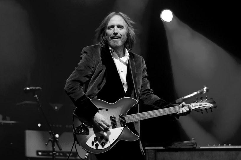 Przez prawie 24 godziny Tom Petty walczył o życie po nagłym zatrzymaniu krążenia. Ostatecznie amerykański rockman zmarł w poniedziałek (2 października) wieczorem czasu lokalnego.