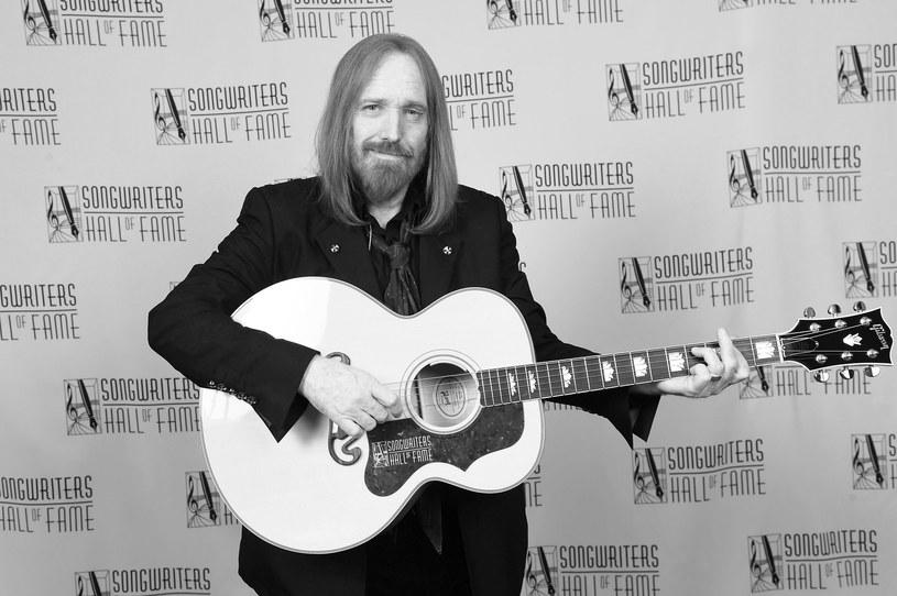 W poniedziałek (2 października) zmarł Tom Petty. W sieci natychmiast przypomniano jego ostatni występ, który odbył się 25 września w Los Angeles.