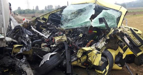 Poważny wypadek w podkarpackiej miejscowości Jaworze Dolne. Zderzyły się dwa samochody ciężarowe i laweta. Informacje i zdjęcia dostaliśmy na Gorącą Linię RMF FM.