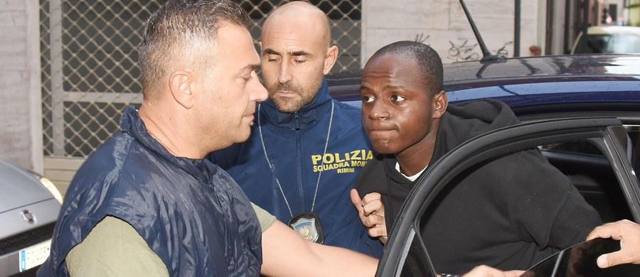 Polscy turyści, którzy ucierpieli w wyniku napaści w Rimini we Włoszech, otrzymają finansowe wsparcie od fundacji na rzecz ofiar przestępstw, której władze tego miasta są członkiem - powiedział PAP przedstawiciel zarządu miejskiego Jamil Sadegholvaad. Polacy zostali napadnięci przez czteroosobowy gang w nocy z 25 na 26 sierpnia na plaży w Rimini. Młoda kobieta została wielokrotnie zgwałcona, a jej partner dotkliwie pobity.