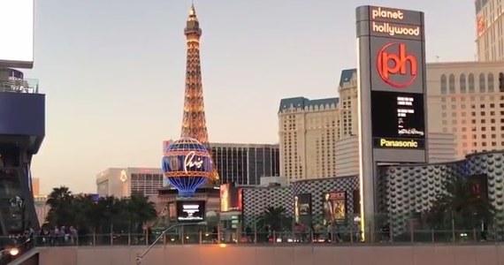 Po każdej tragedii można się podnieść. Amerykanie przeżyli ataki z 11 września. Otrząsną się też po masakrze w Las Vegas. Miasto już wraca do życia. I choć wielu twierdziło, że w stolicy amerykańskiego hazardu już nigdy nie będzie tak wesoło jak dotąd, to zapewniam, że - choć na zawsze mieszkańcy Las Vegas zapamiętają wydarzenia z ostatniej niedzieli - nie zatrzyma to normalnego biegu życia. Zresztą już tak jest.
