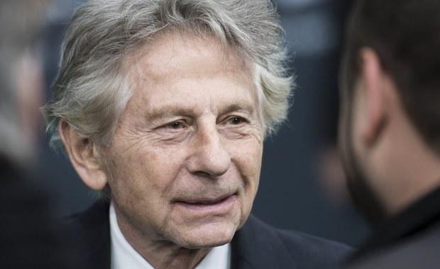 61-letnia Niemka Renate Langer, była modelka i aktorka, oskarżyła Romana Polańskiego o napaść seksualną, której miał dokonać 45 lat temu w swoim domu w Gstaad. Langer złożyła skargę w zeszłym tygodniu na posterunku policji w Sankt Gallen w Szwajcarii. Twierdzi, że reżyser zgwałcił ją w lutym 1972 roku.