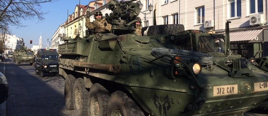 """Wojskowi przedstawiciele NATO potwierdzają, """"że zauważono próby osłabienia wojsk NATO stacjonujących w Polsce i krajach bałtyckich""""w ramach tzw. wschodniej flanki NATO. Chodzi o doniesienia """"The Wall Street Journal"""" dotyczące rosyjskich hakerów, którzy włamują się do telefonów komórkowych żołnierzy stacjonujących w Polsce oraz w krajach bałtyckich. """"Nasi żołnierze są dobrze przygotowani na tego typu wyzwania hybrydowe"""" – usłyszała dziennikarka RMF FM w Kwaterze Głównej NATO."""