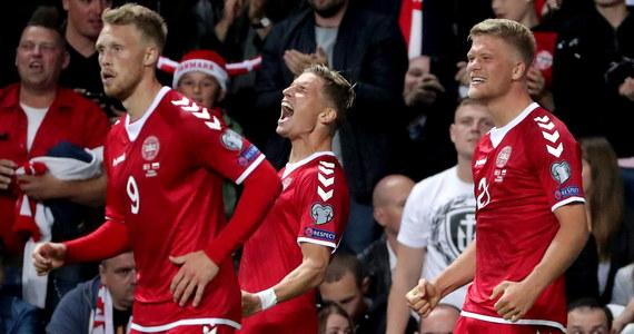 Dania wygrała w Podgoricy z Czarnogórą 1:0 (1:0) w meczu grupy E eliminacji piłkarskich mistrzostw świata. Ten wynik oznacza, że o awansie Polski, która w czwartek pokonała w Erywaniu Armenią 6:1, zdecyduje jej niedzielny mecz z ekipą z Bałkanów w Warszawie.