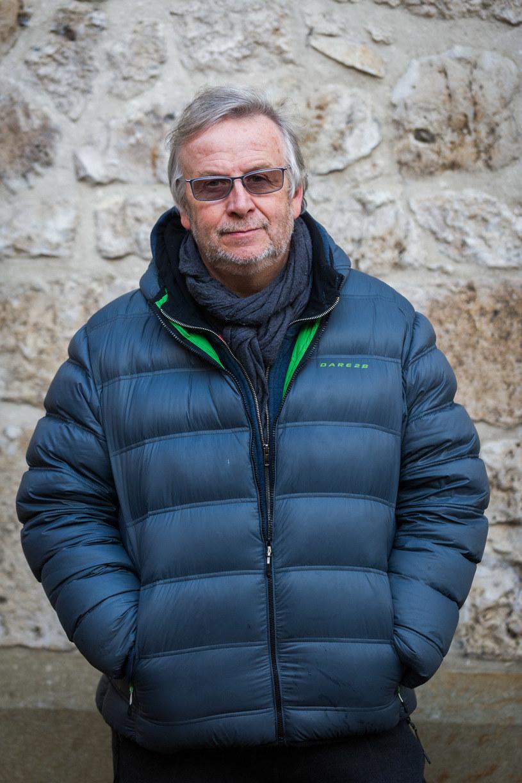 """- Chciałem dopowiedzieć o czasach komunizmu coś innego, o czym nie mówiono - mówi Krzysztof Lang, reżyser """"Ach śpij kochanie"""". Premiera thrillera, inspirowanego Władysławem Mazurkiewiczem, określanego """"eleganckim mordercą"""", odbędzie się w środę w Krakowie."""